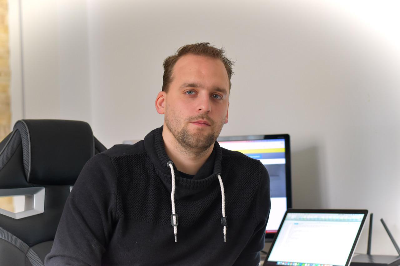 """Vojtěch Moravec, zakladatel a CEO online """"službičkomatu"""" Stovkomat"""
