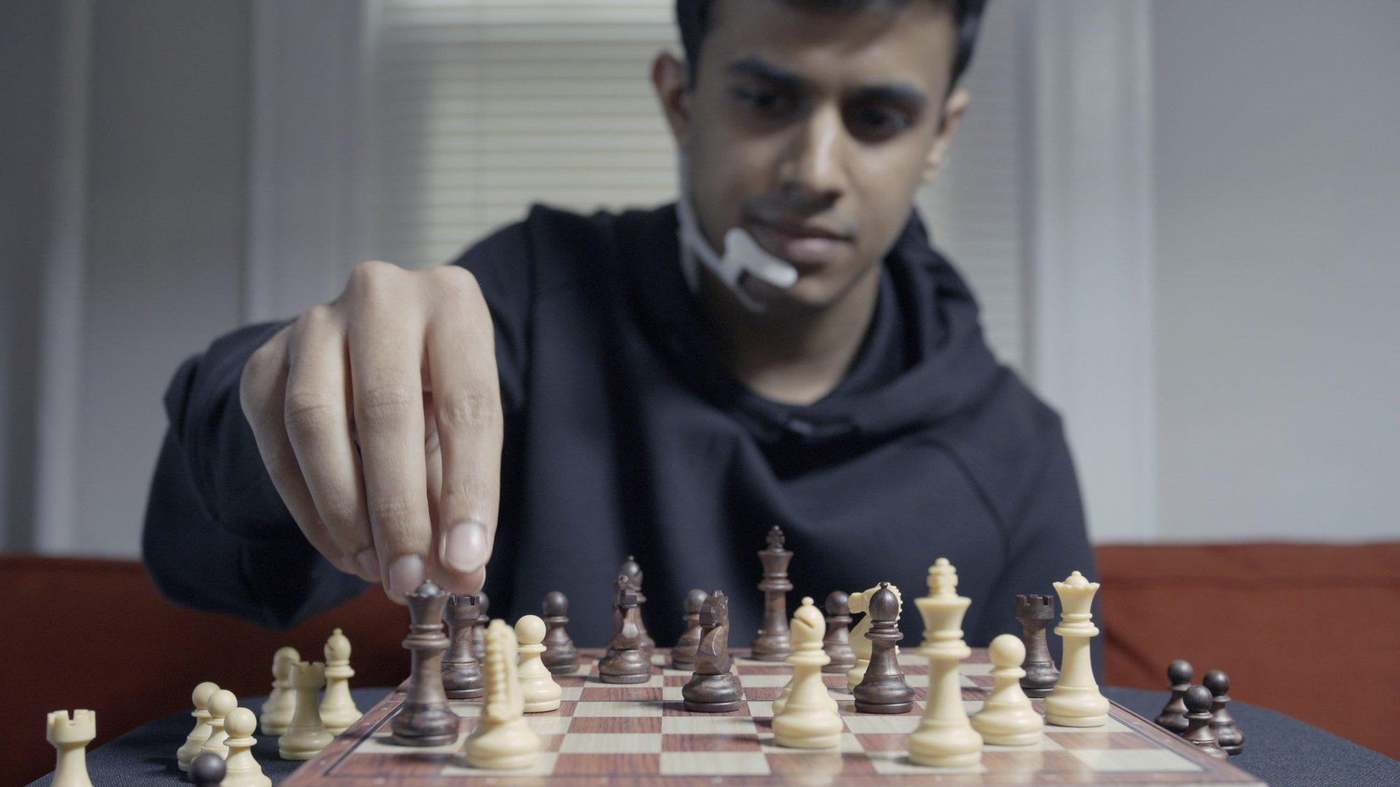 AlterEgo bylo testováno i během hraní šachů