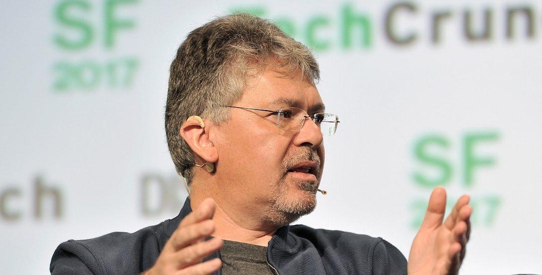 Apple do svého týmu najal šéfa umělé inteligence v Googlu. Má pomoci s vylepšením Siri