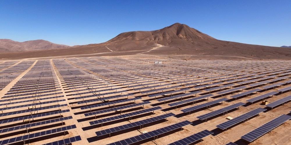 Saúdská Arábie a SoftBank podepsaly memorandum o výstavbě největší solární elektrárny světa