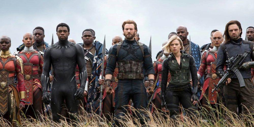 Poslední díl Avengers s podtitulem Infinity War překročil v kinech příjmy ve výši 2 miliard dolarů