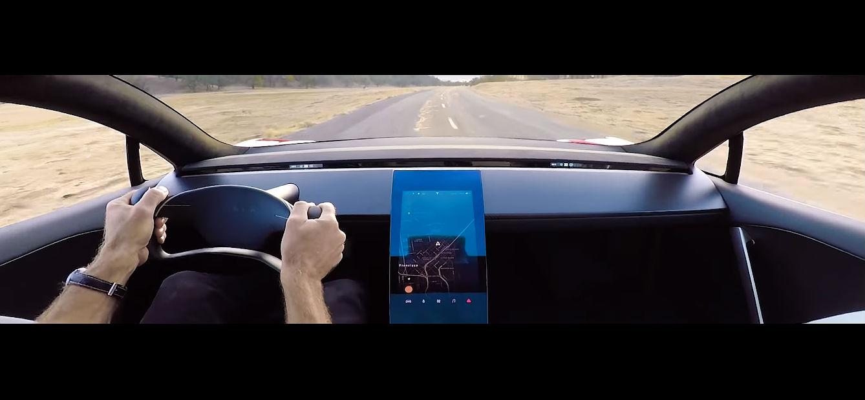 Interiér nové podoby Tesla Roadster