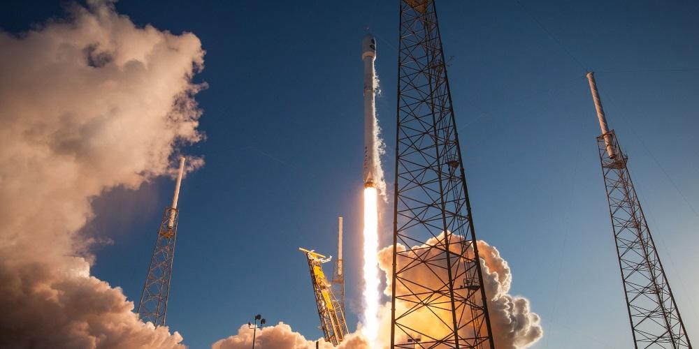 Raketa Falcon 9 vynesla do vesmíru historicky první komunikační satelit Bangladéše