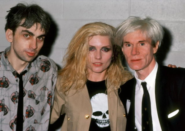 Americký umělec Andy Warhol (vpravo)