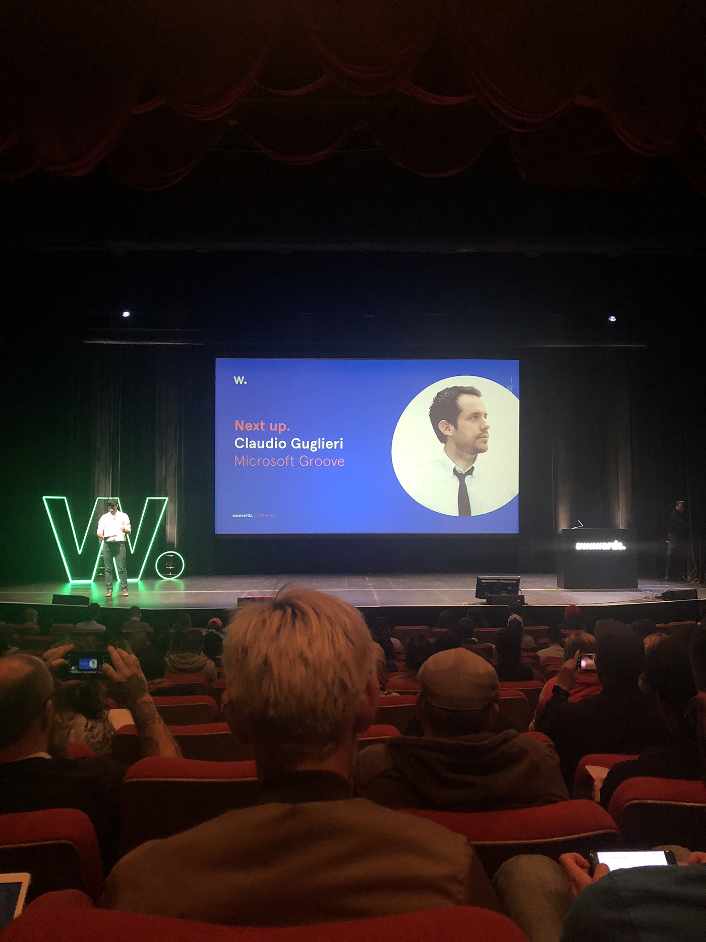 Prezentace Claudio Guglieri, Art directora z Microsoftu na téma fluent design