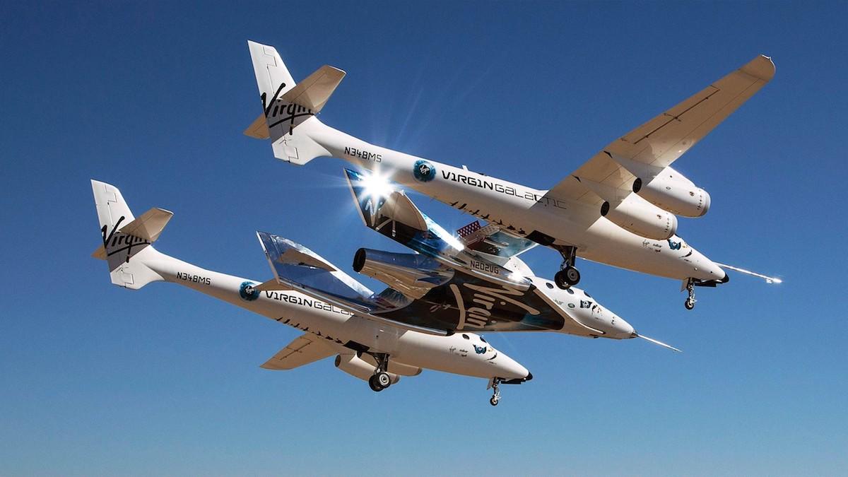 Vesmírná loď VSS Unity od Virgin Galactic s podpůrnými systémy