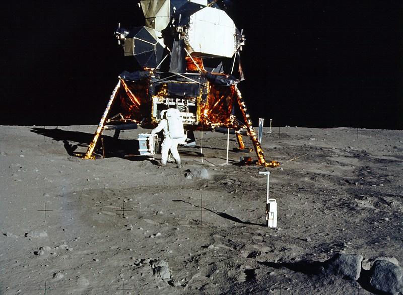 První přistání na Měsíci