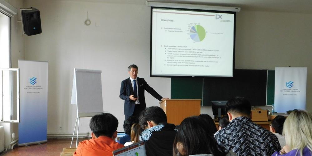 Pohled do zákulisí programu ECCE, který na léto sváží do Prahy špičky byznysu a 200 vybraných studentů