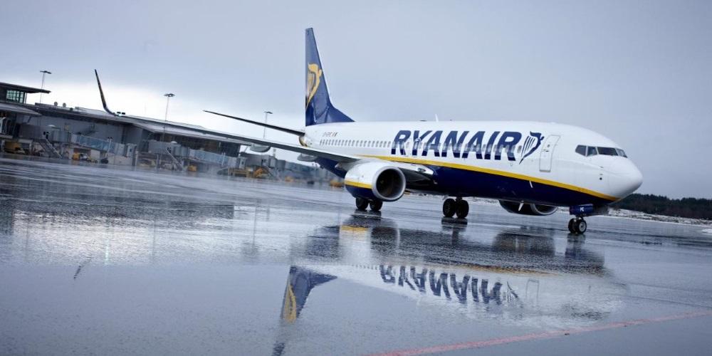 Aerolinka Ryanair oznámila propad zisku a kvůli stávkám očekává zrušení dalších letů