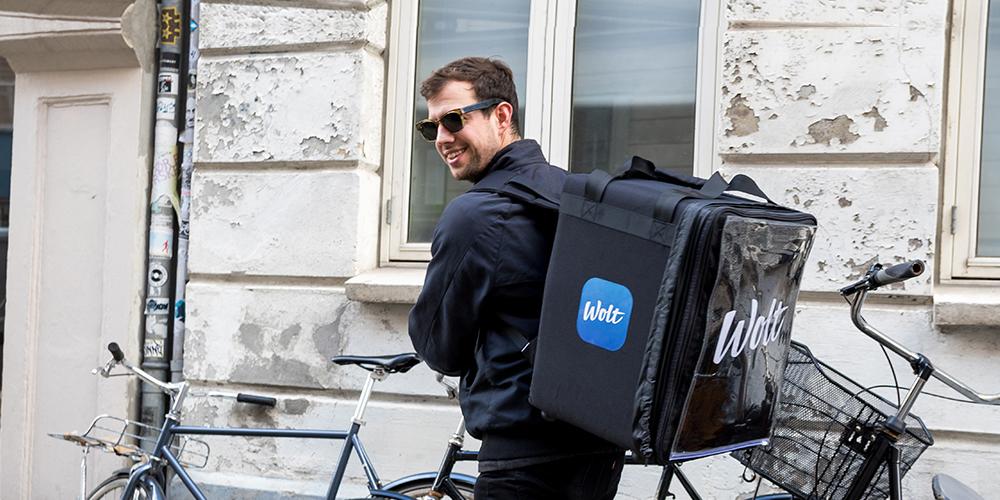 Do Prahy vstupuje finská služba na doručování jídla Wolt. Bude konkurovat Dáme jídlo