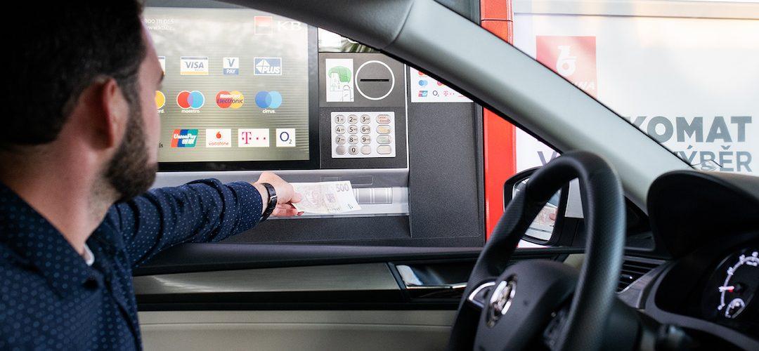 Komerční banka otevře na stanicích Benzina bankomaty pro řidiče. První už úspěšně funguje