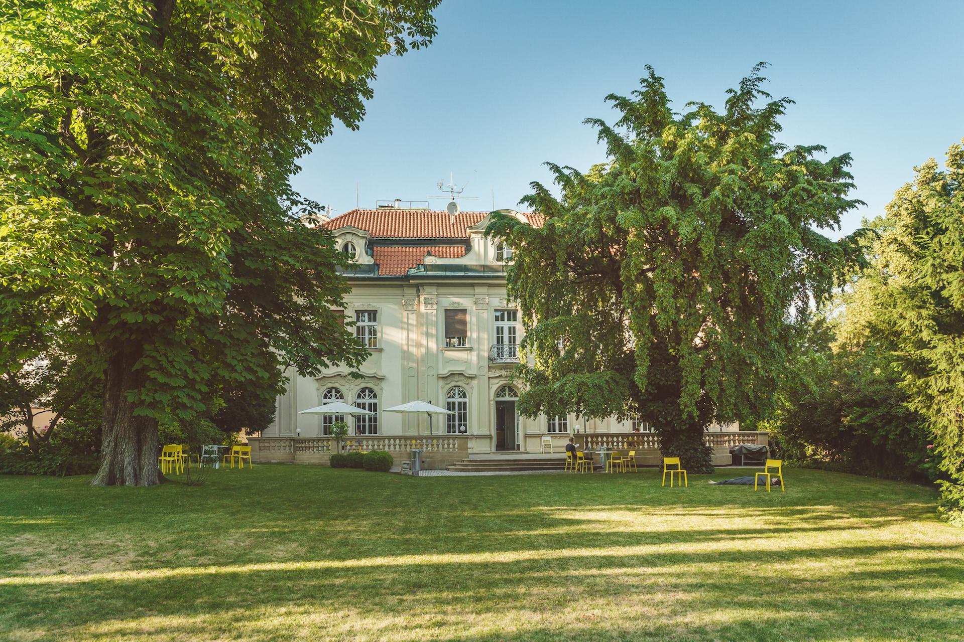Neobarokní vila K10 Coworking na pražských Vinohradech