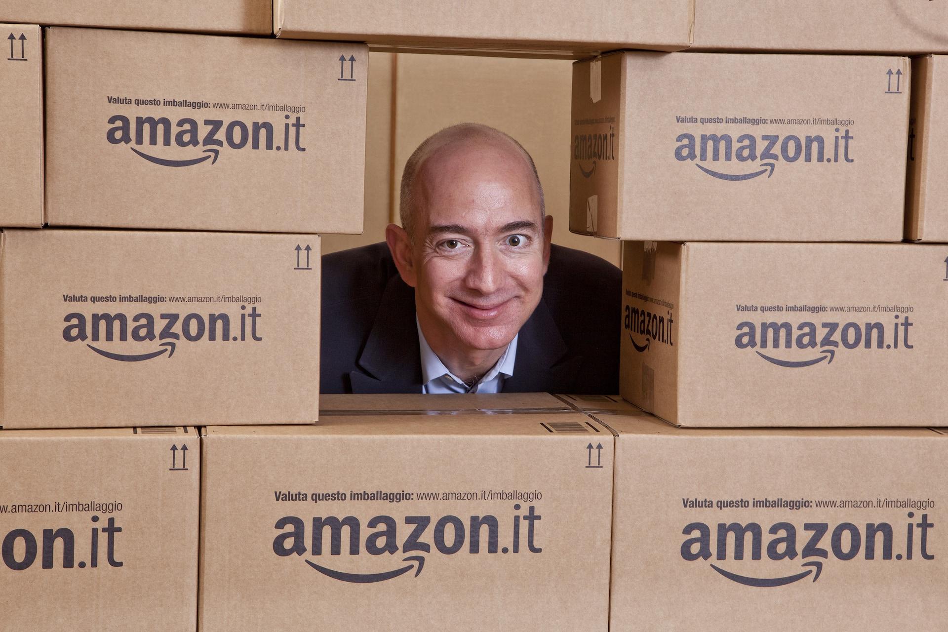 Jeff Bezos v italské pobočce Amazonu