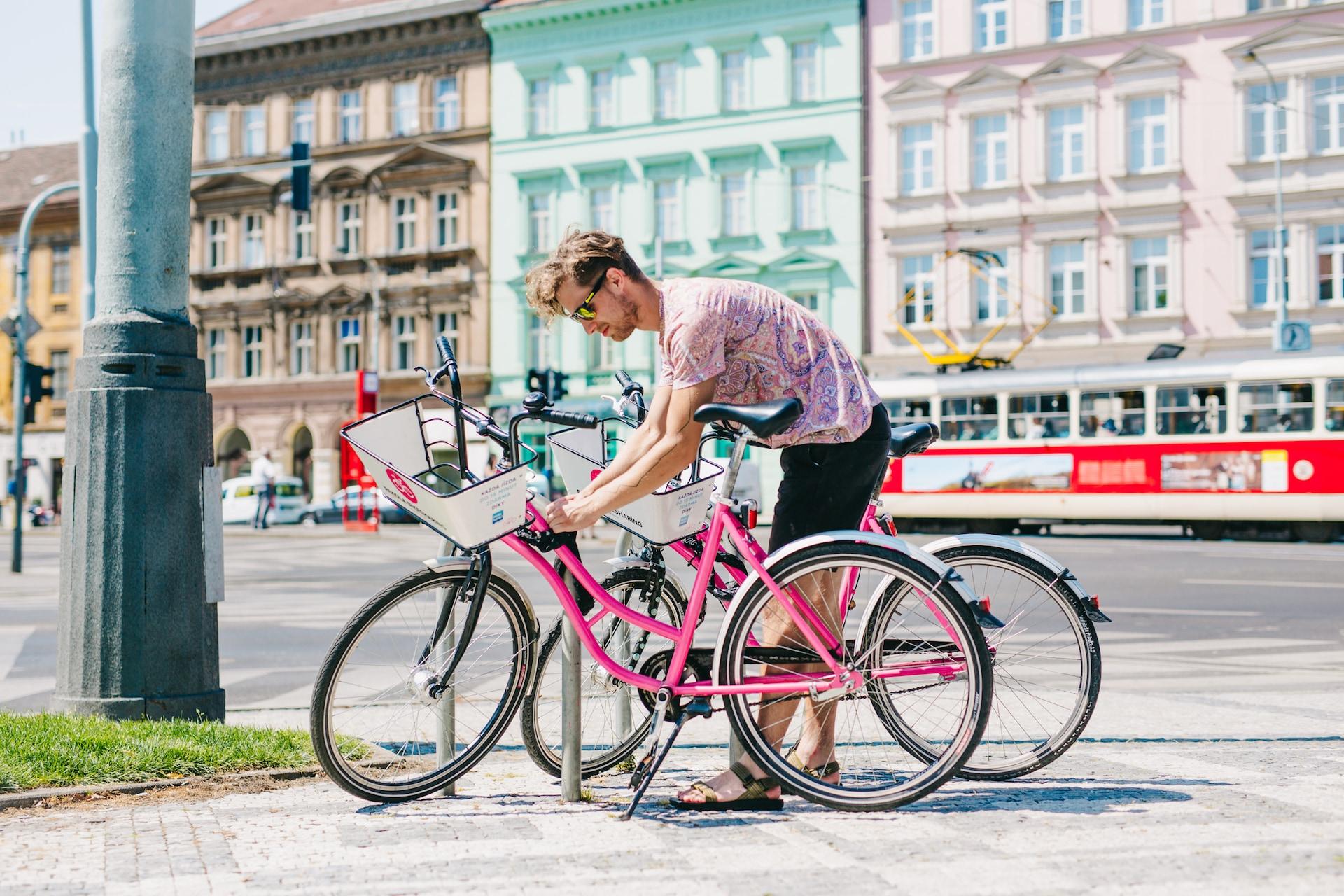Růžová kola jde ve většině měst vracet kdekoliv