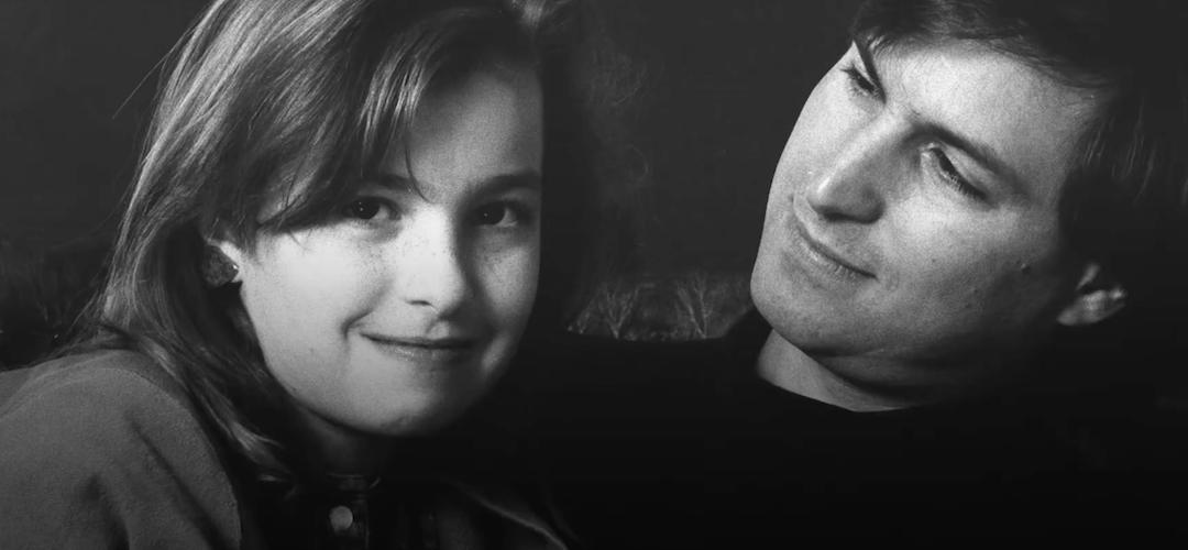 Nejstarší dcera Steva Jobse vydává knihu o tom, jak náročný měla vztah se svým slavným otcem