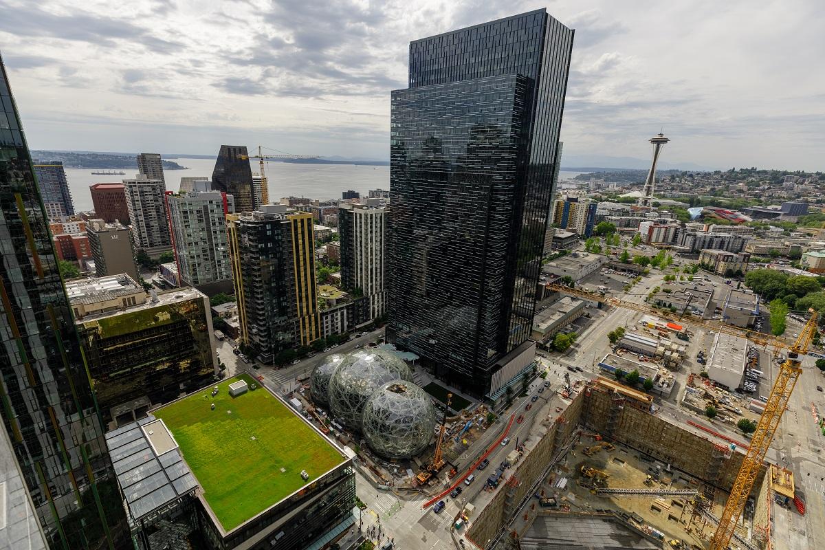 Pohled na ústředí Amazonu v Seattlu