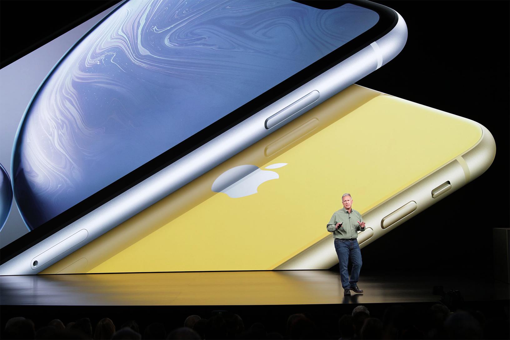 Phil Schiller představuje iPhone XR