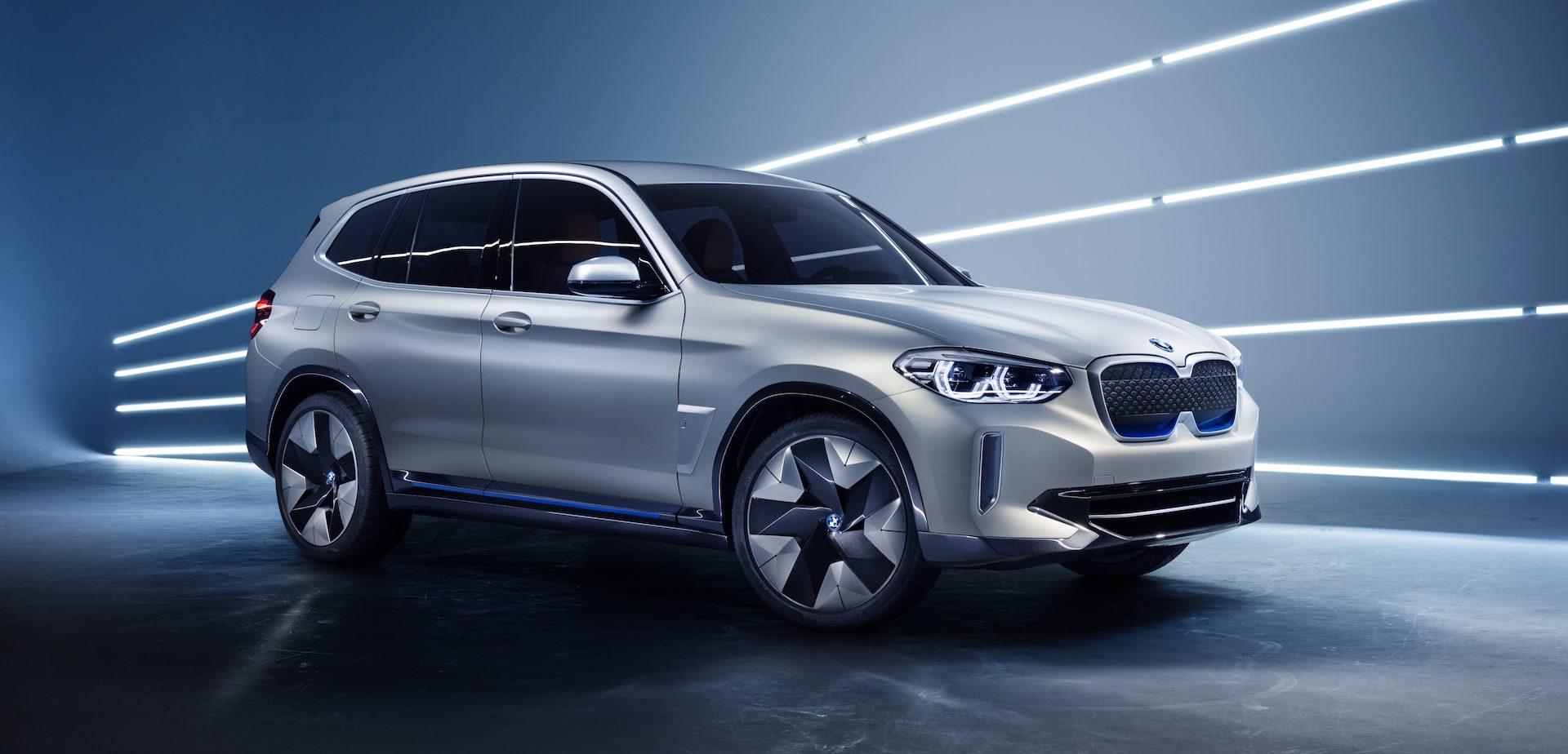 Koncept elektrického SUV BMW iX3