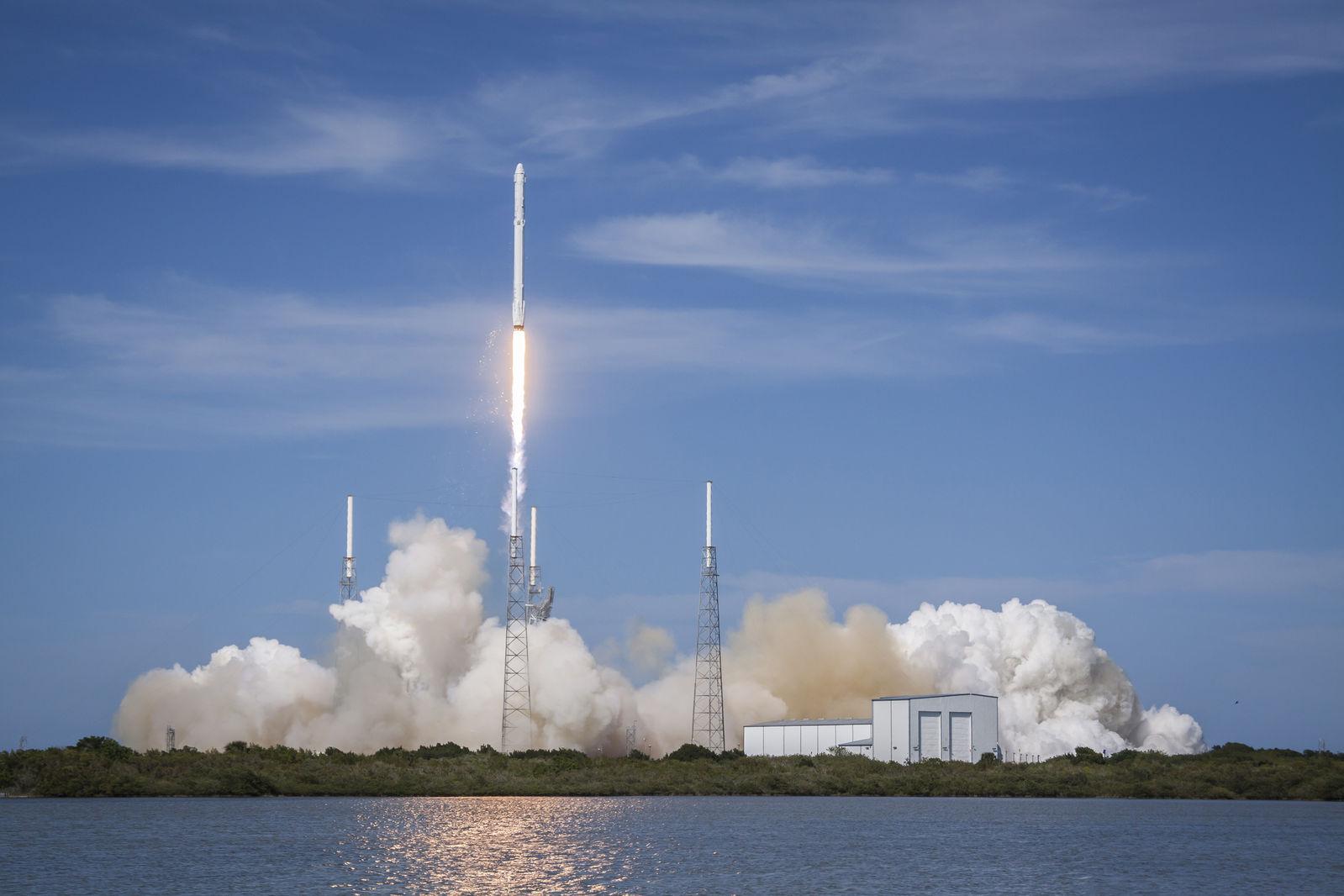 Kosmickou loď Sparrow od SpaceIL vynese do vesmíru raketa Falcon 9 od SpaceX