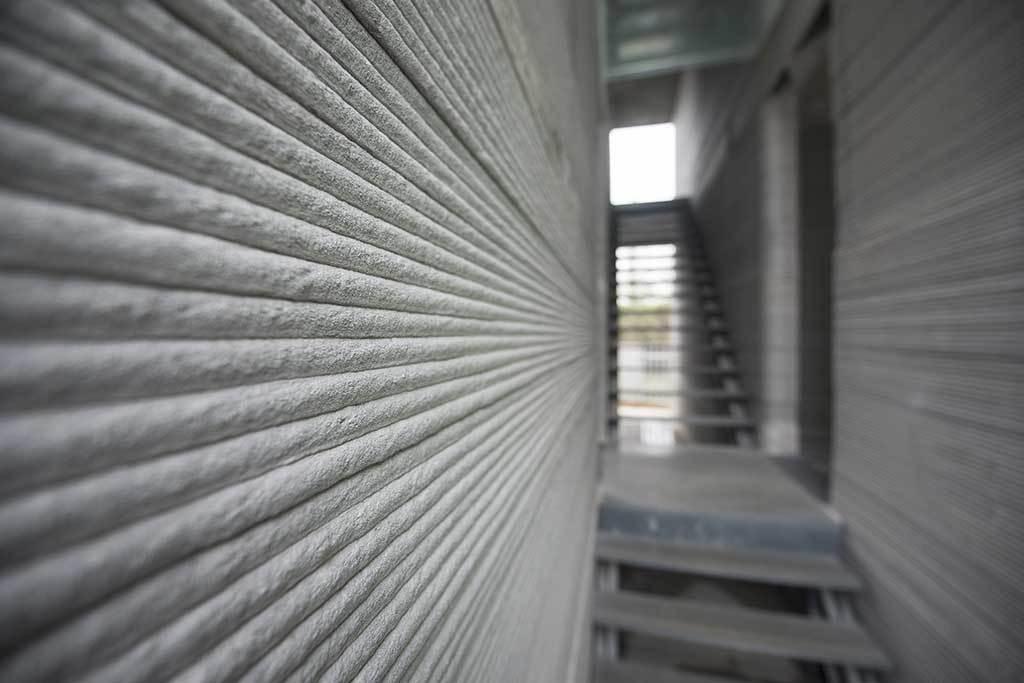 Takto vypadá betonová zeď z 3D tiskárny
