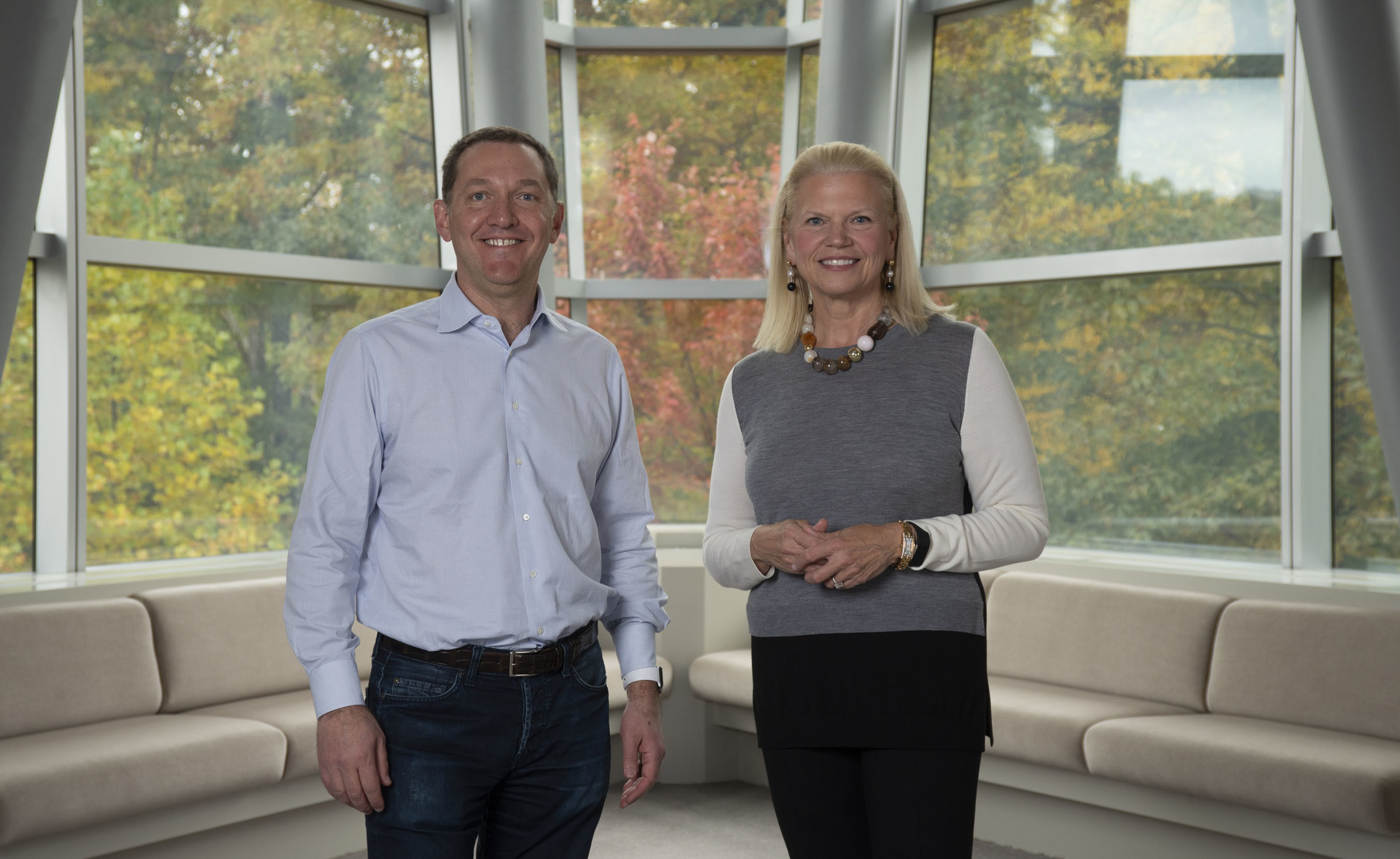 James Whitehurst, CEO Red Hatu, a Ginni Rometty, předsedkyně, prezidentka a CEO IBM
