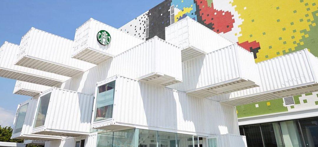 Podívejte se, jak vypadá nová pobočka Starbucksu vytvořená z přepravních kontejnerů