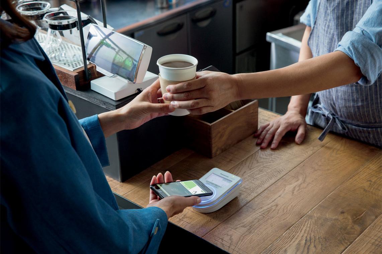 S Apple Pay nemusíte vytahovat platební kartu, stačí iPhone