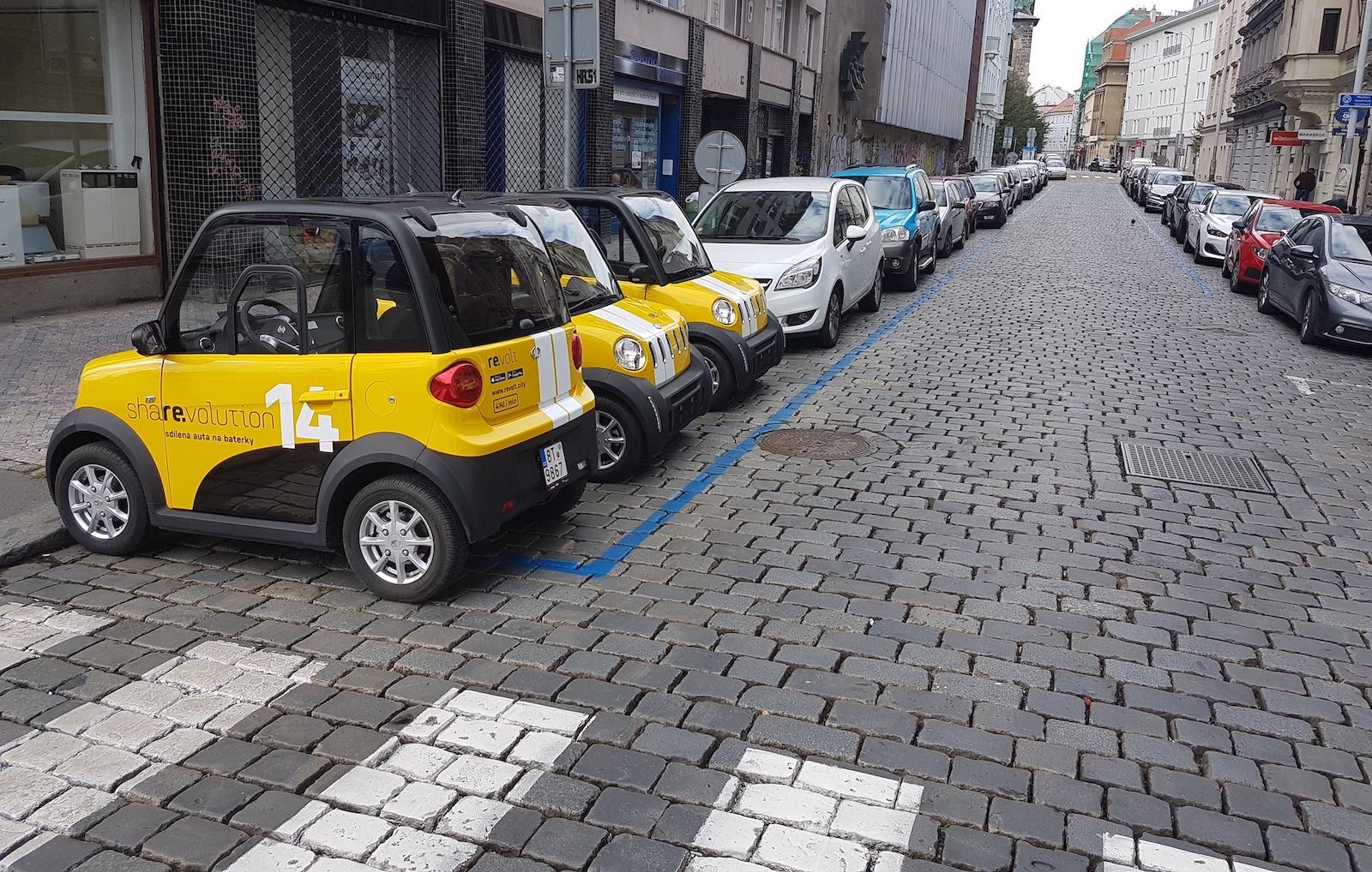 S Revoltem můžete parkovat na štorc a v modré zóně