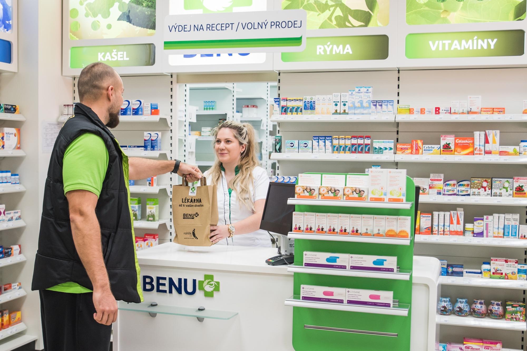 BENU postavilo svoji lékárnu hned vedle pražského skladu Rohlik.cz