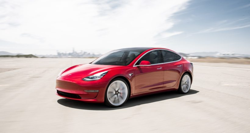 tesla-Model 3 Performance – Red Turn