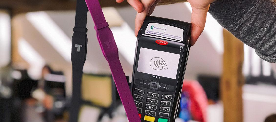 Twisto vedle klasické karty nabízí také platební náramek