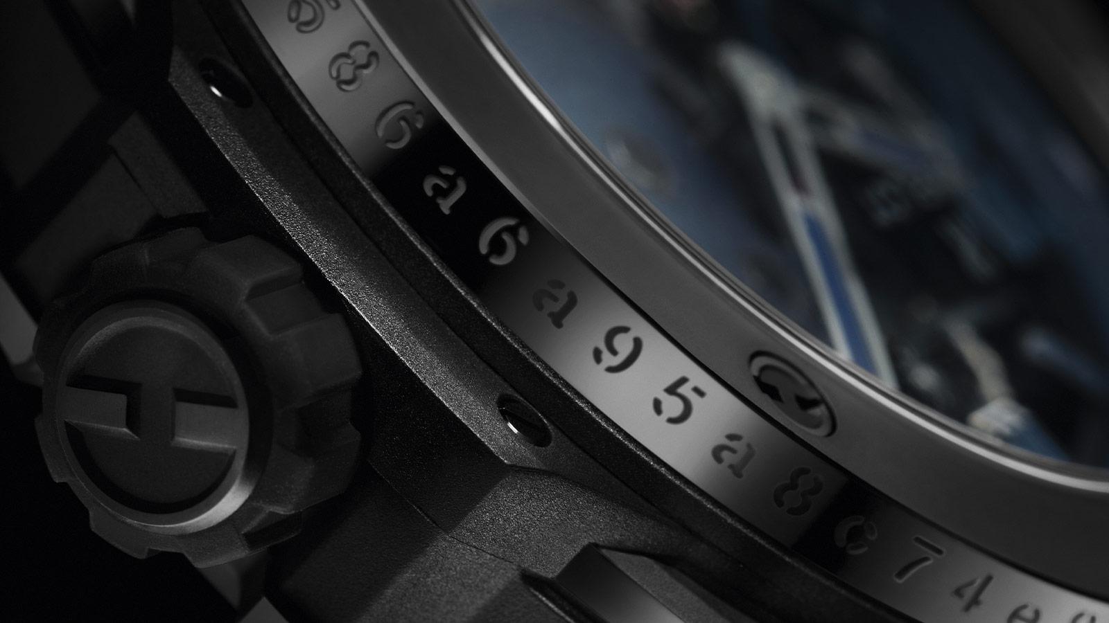 Na všech kusech hodinek je speciální gravírování s unikátním hashem transakce