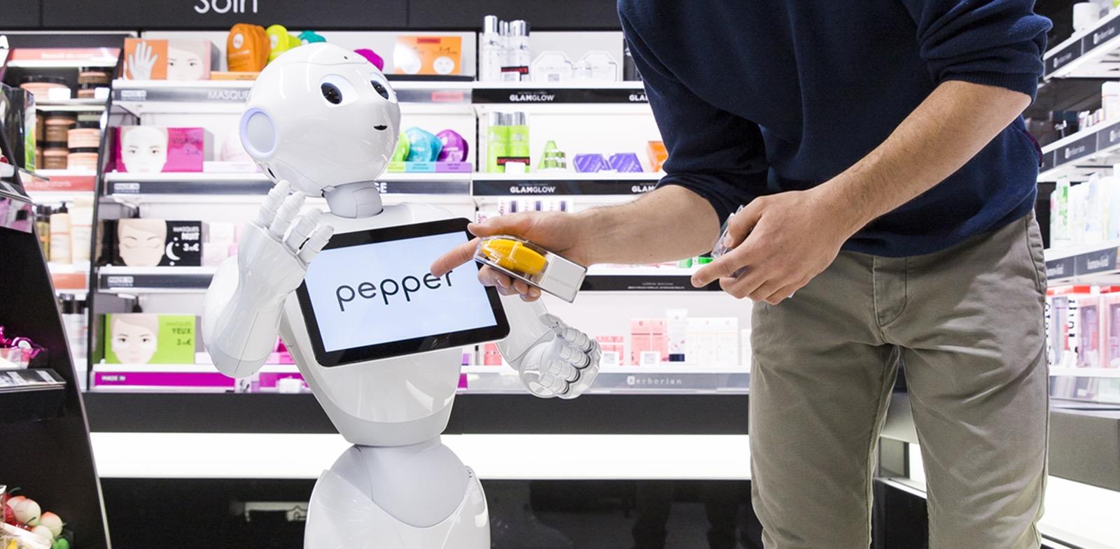 SoftBank se svou divizí SoftBank Robotics vyvíjí také chytré roboty