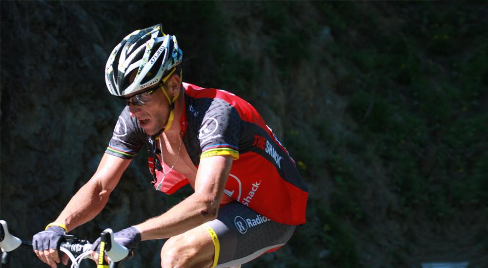 Jak kdysi nejlepšího cyklistu Lance Armstronga před možným bankrotem zachránila investice do Uberu