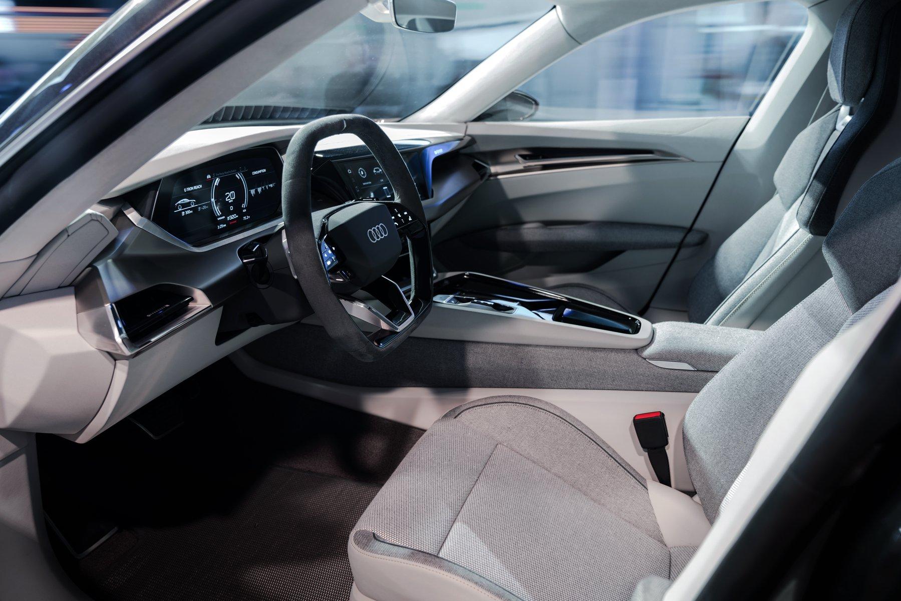 Interiér chystaného elektromobilu Audi e-tron GT
