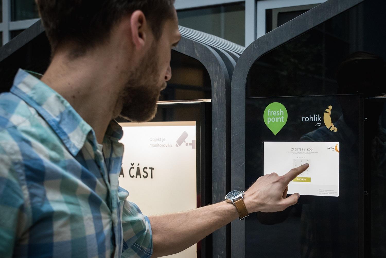 Do Rohlík Pointu se každý zákazník dostane přes PIN