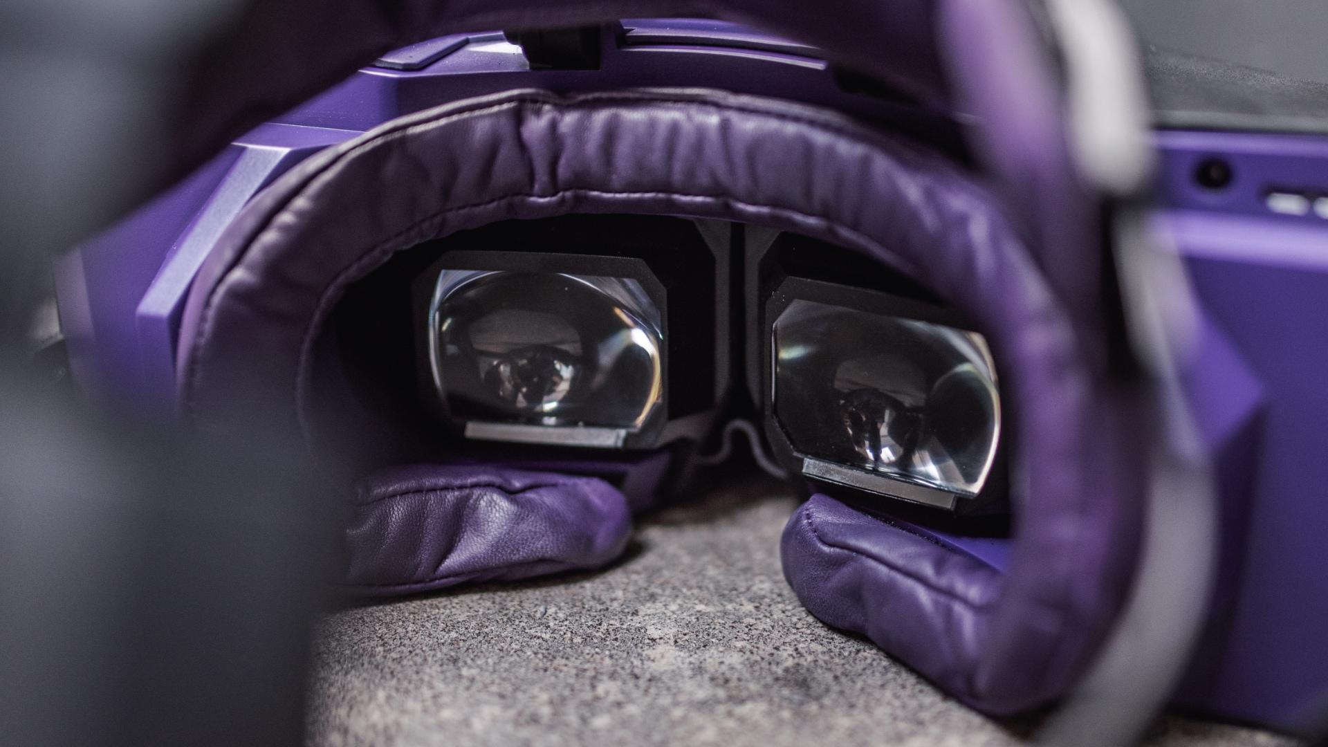 Čočky VR brýlí XTAL od VRgineers