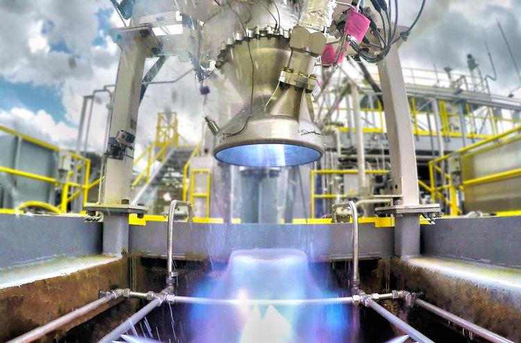 Zážehový test motoru Aeon
