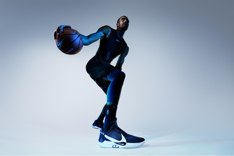 Jayson Tatum z Boston Celtics vybaven novými Nike Adapt BB