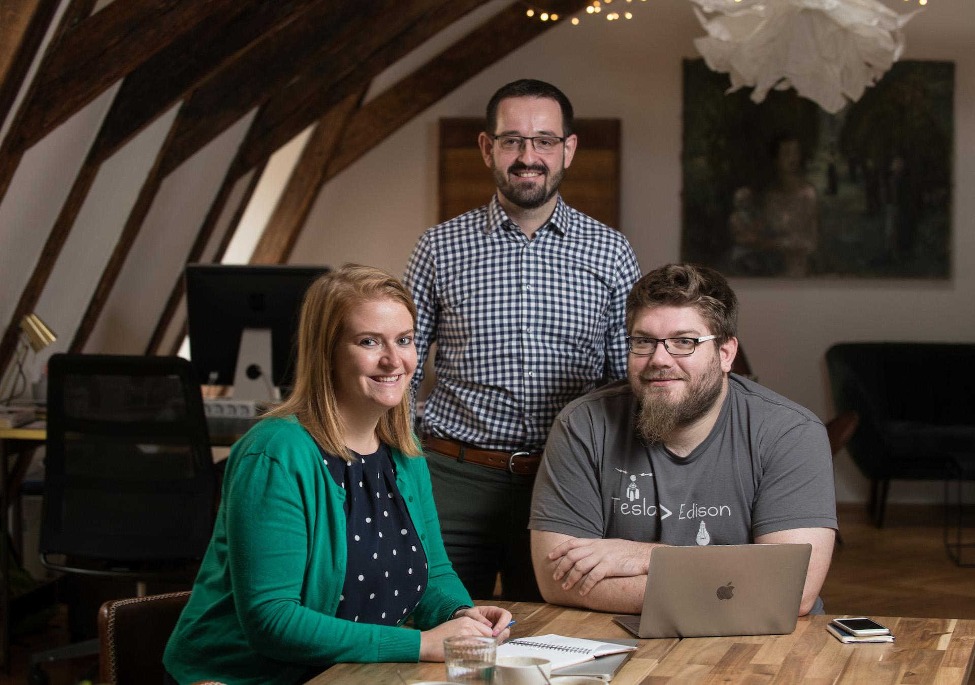 Tým Blabu: Eva Peterková (COO), Petr Kováčik (CEO) a Tomáš Strejček (CTO)