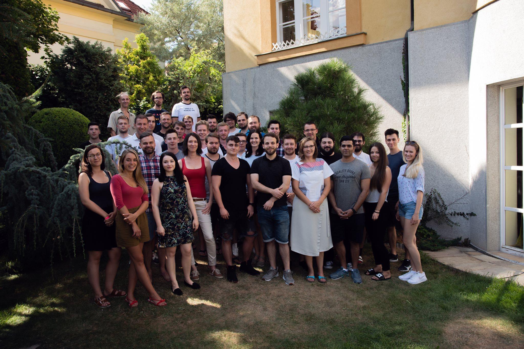 Část pražského týmu skupiny CDN77 a SuperHosting