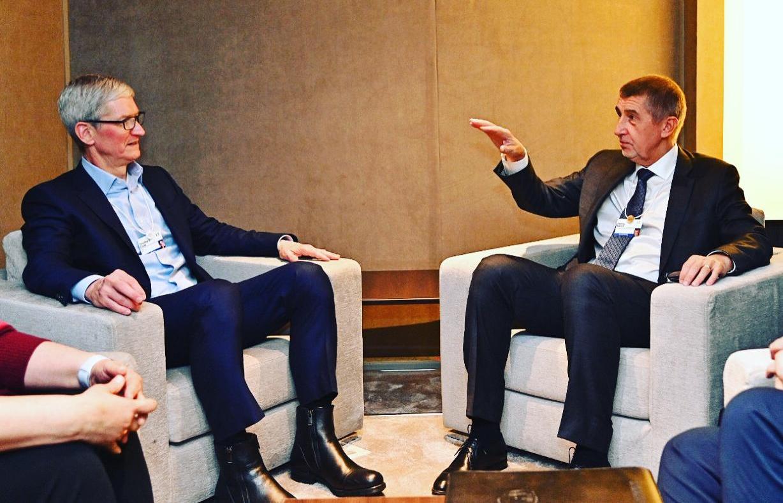 Tim Cook a Andrej Babiš ve švýcarském Davosu