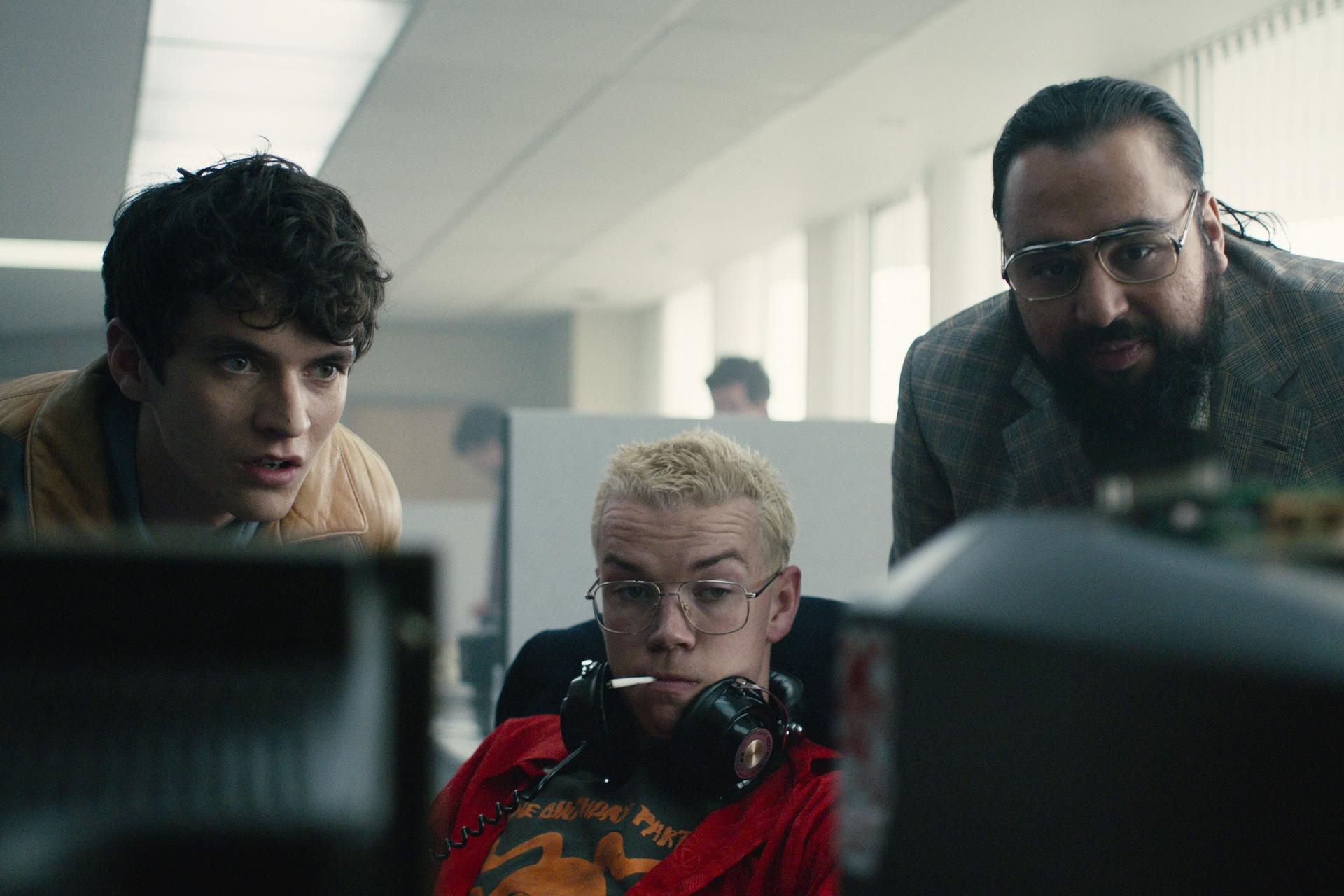V Black Mirror: Bandersnatch hrají Fionn Whitehead, Will Poulter a Asim Chaudhry
