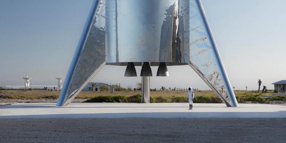 SpaceX staví novou vesmírnou loď Starship. Na její plášť je poprvé od 50. let použita nerezová ocel