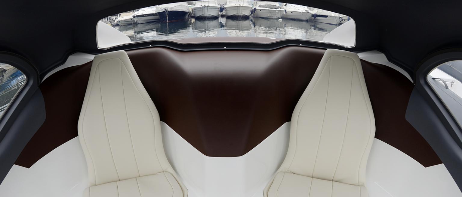 Bubble Taxi láká i na luxusní kožený interiér