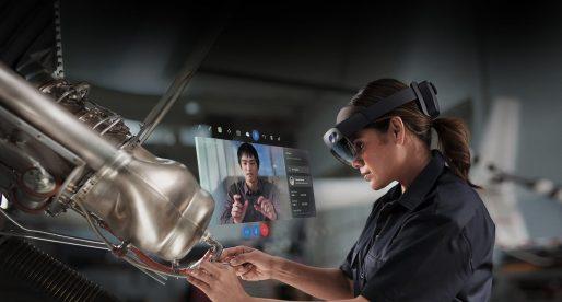 Revoluce v práci. Microsoft představil nové HoloLens, brýle kombinující reálné prostředí a rozšířenou realitu