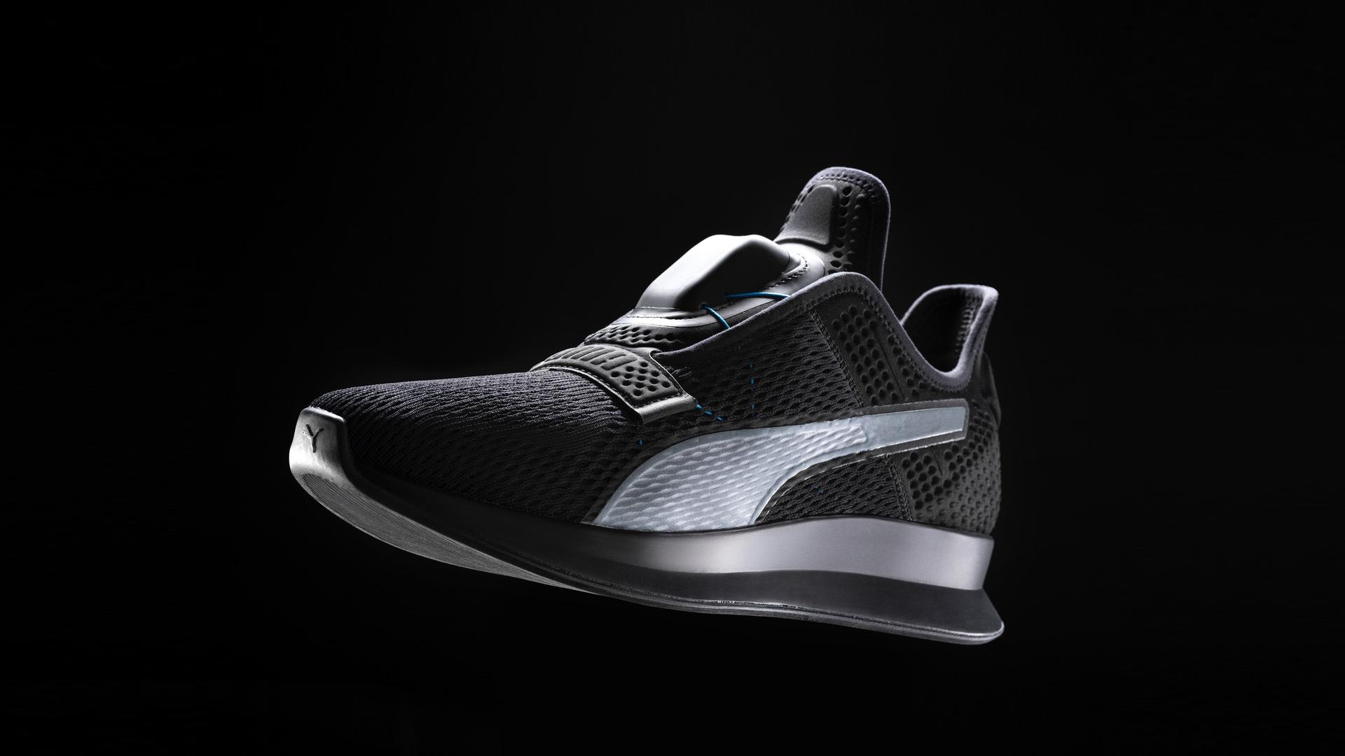 Budoucnost tenisek je bez tkaniček. Puma po vzoru Nike představuje vlastní samozavazovací  boty  ba4c0f2693
