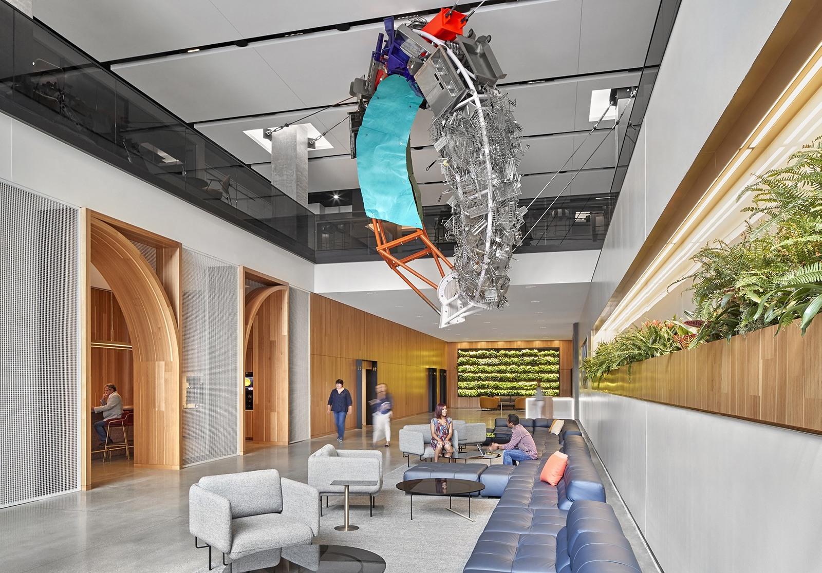 Jedno ze tří lobby