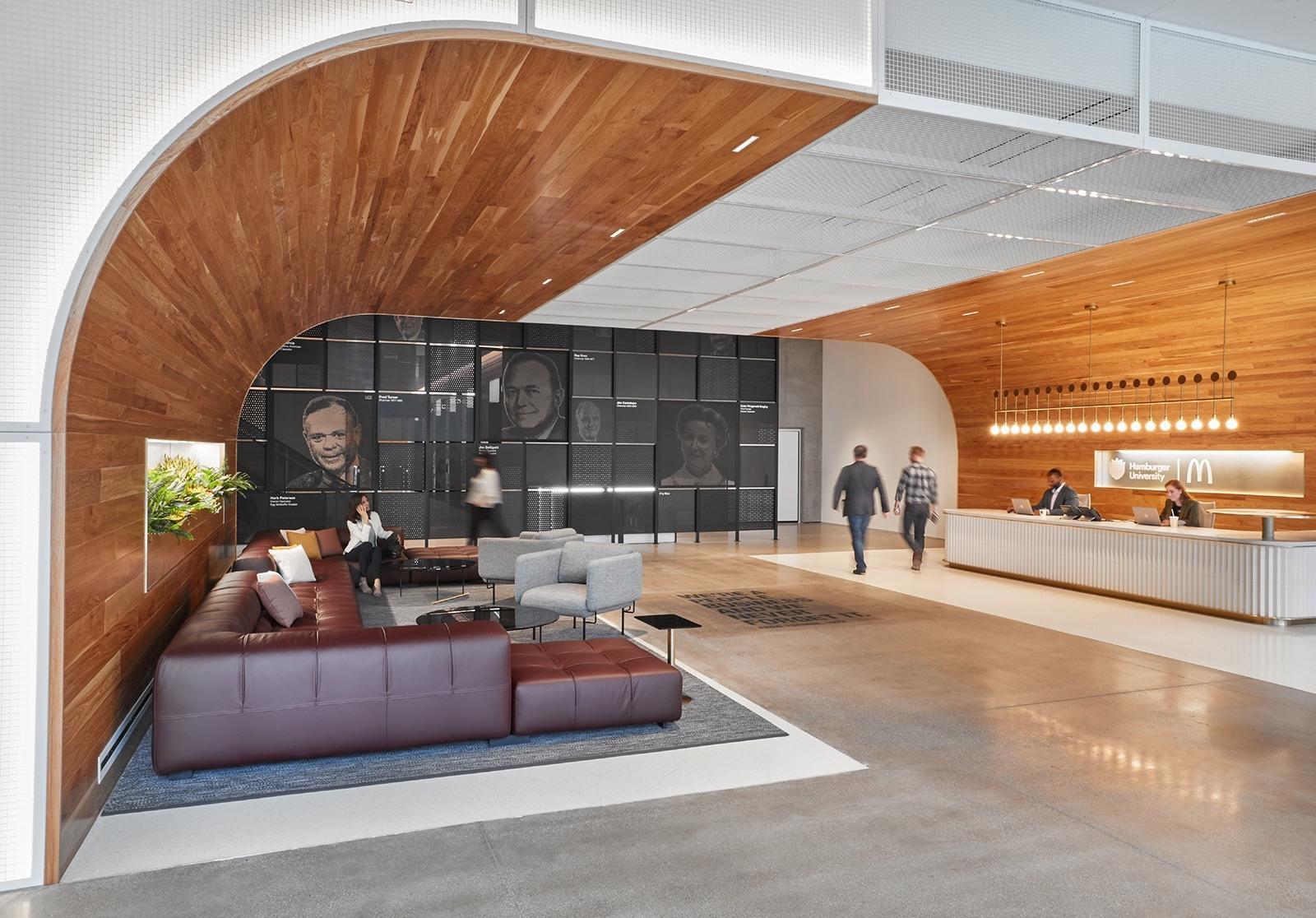 Lobby ve výukovém centru