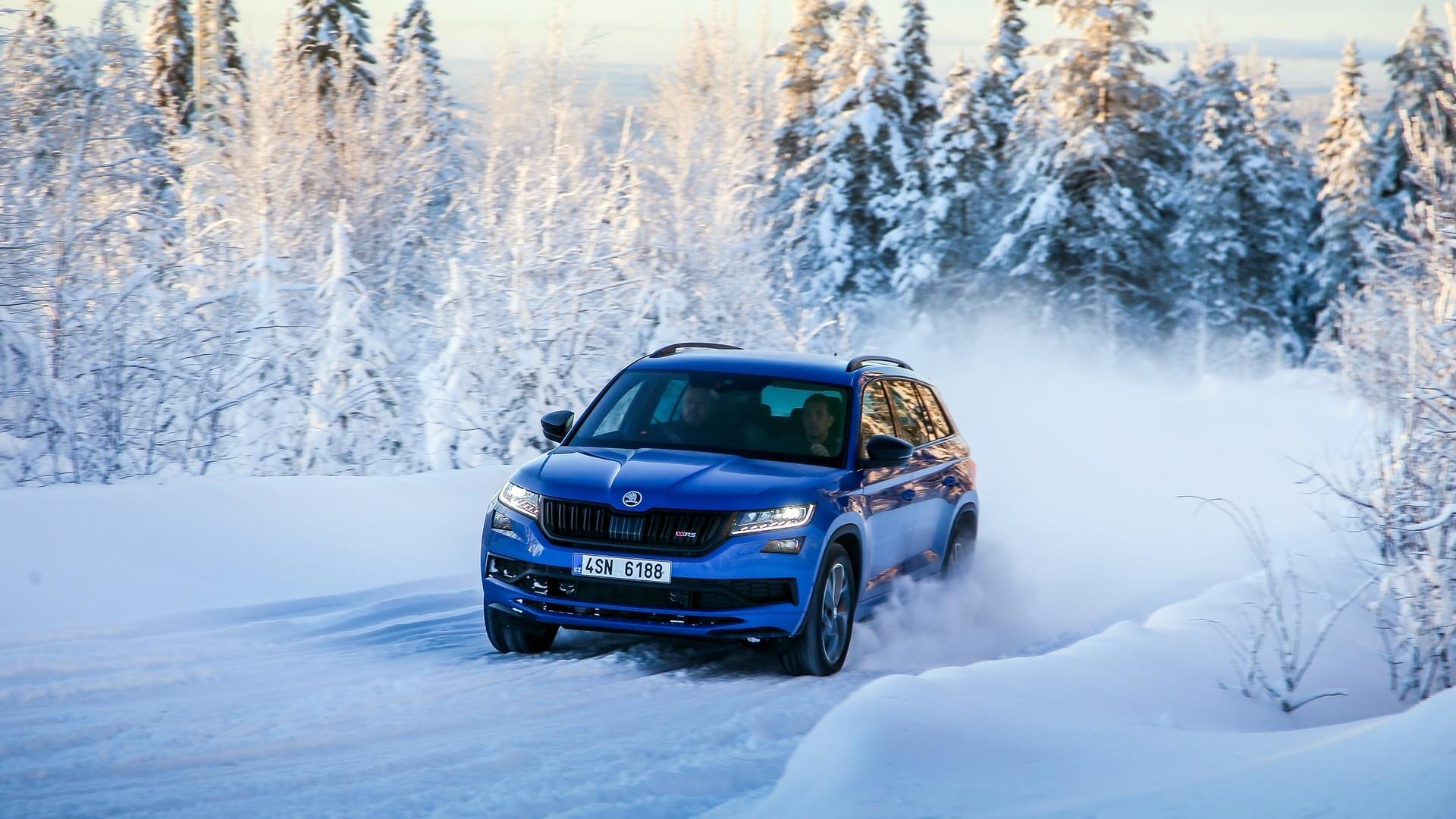 Škoda Kodiaq RS na sněhu